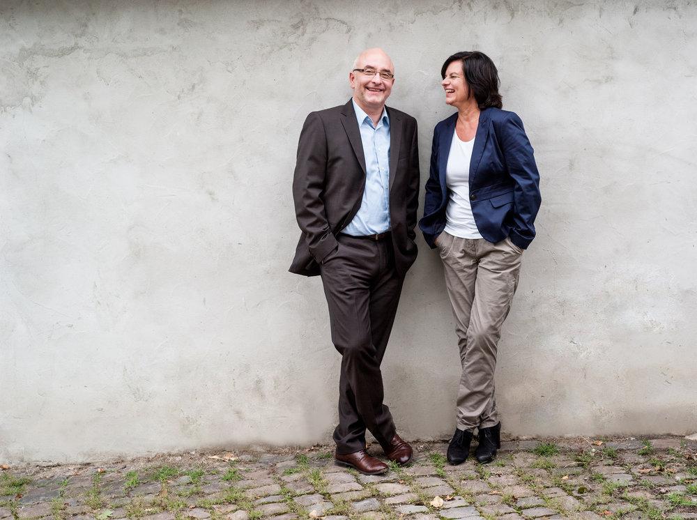 Günther Höhfeld, Beratungspsychologe MSc und theologe | Karin Dölla-Höhfeld, VerhaltensBiologin