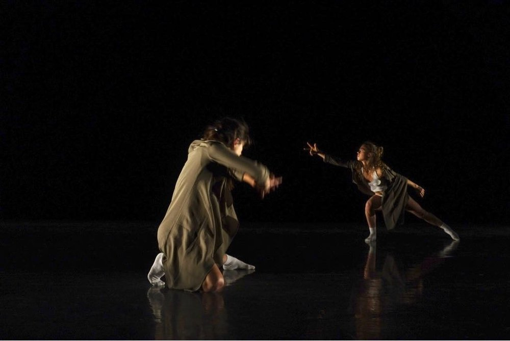 The Flaw in Bond  - Choreographer : Shawn T. BibleDancers : Thea Bautista, Sarah Le GuennoMusic :