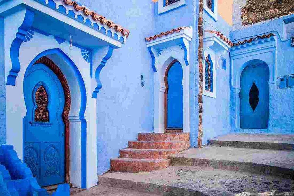 morocco_essaouria_blue-building-entrance.jpg