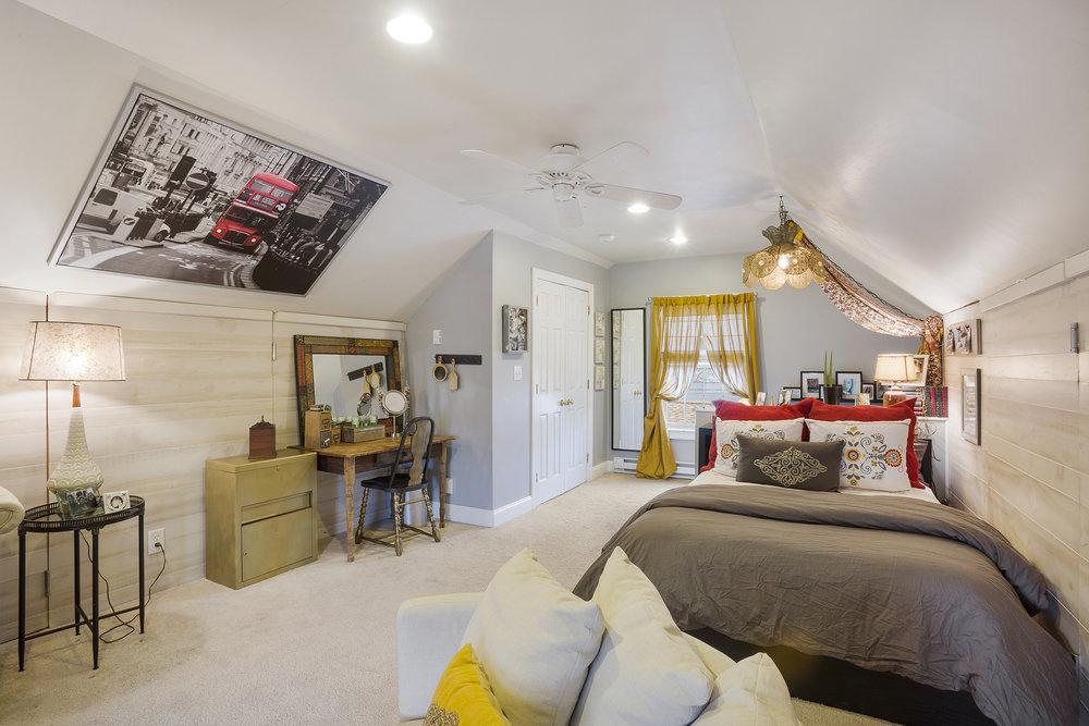 Vince May Real Estate -  406 N. 5th St Perkasie PA-online-17.jpg