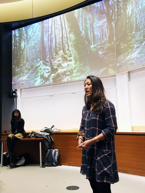 A fall 2017 Accelerator participant pitches her idea.