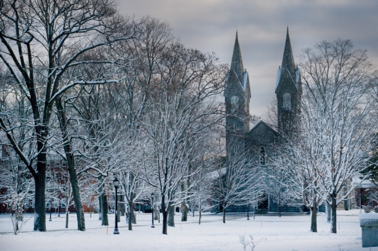 Bowdoin-chapel-winter.jpg