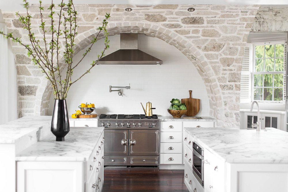 We'll see the return of stone to kitchen designs in 2019, particularly in vertical applications. Kitchen Trends 2019. #kitchentrends, #luxurykitchens, #kitchendesignideas