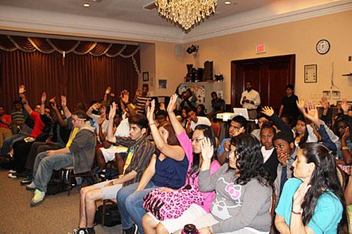 PHOTO_sasha-students2_sashareuther.jpg