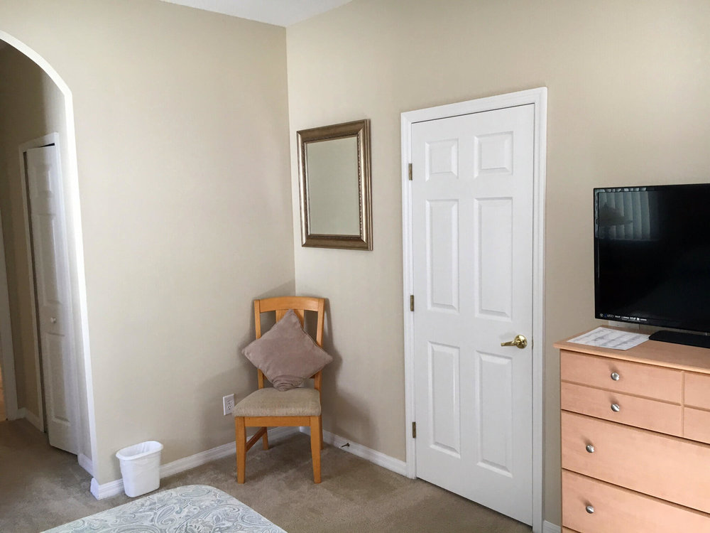 IMG_0045.JPG master bedroom.jpg