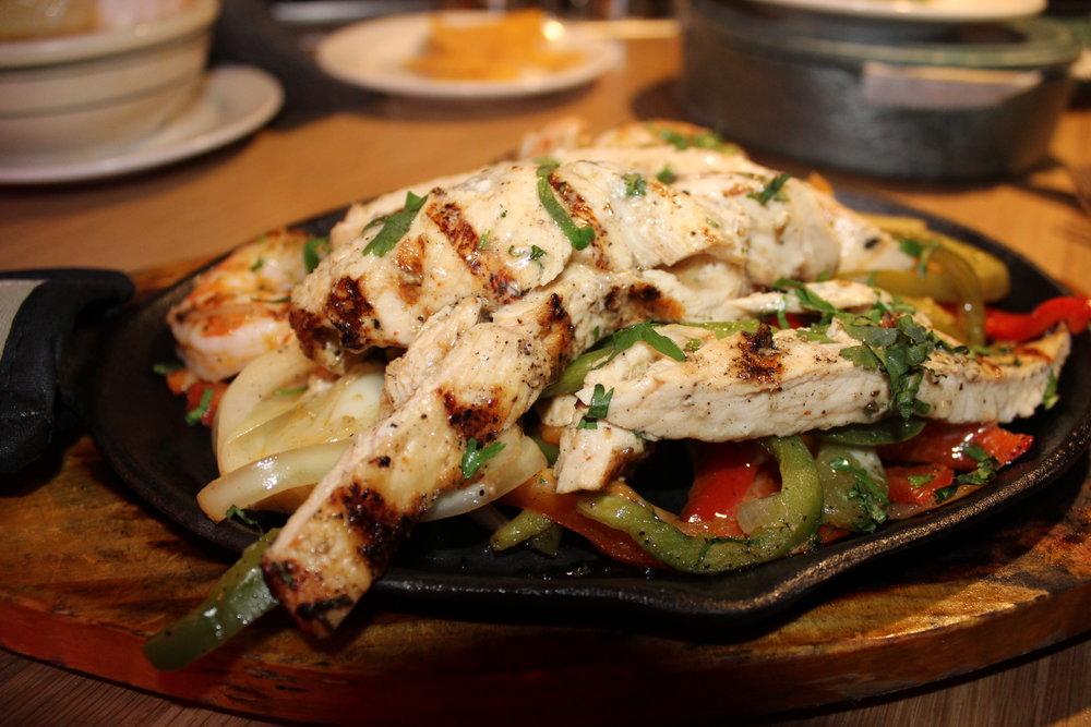 Faijita Mixta w/ Chicken & Shrimp