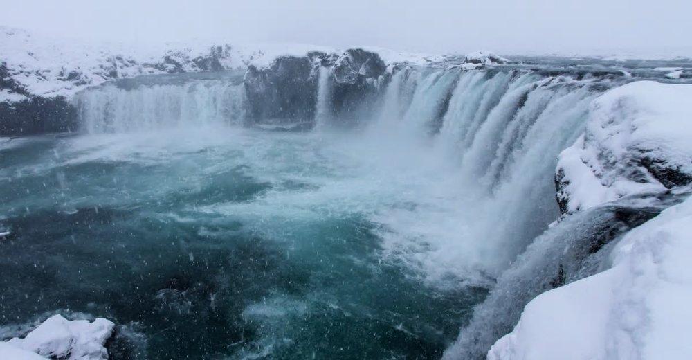 iceland-waterfall_g8iet1.jpg