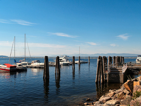 burlington-lake-champlain.jpg