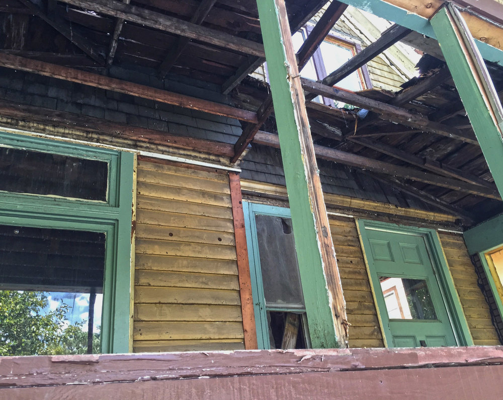 demo-porch.jpg
