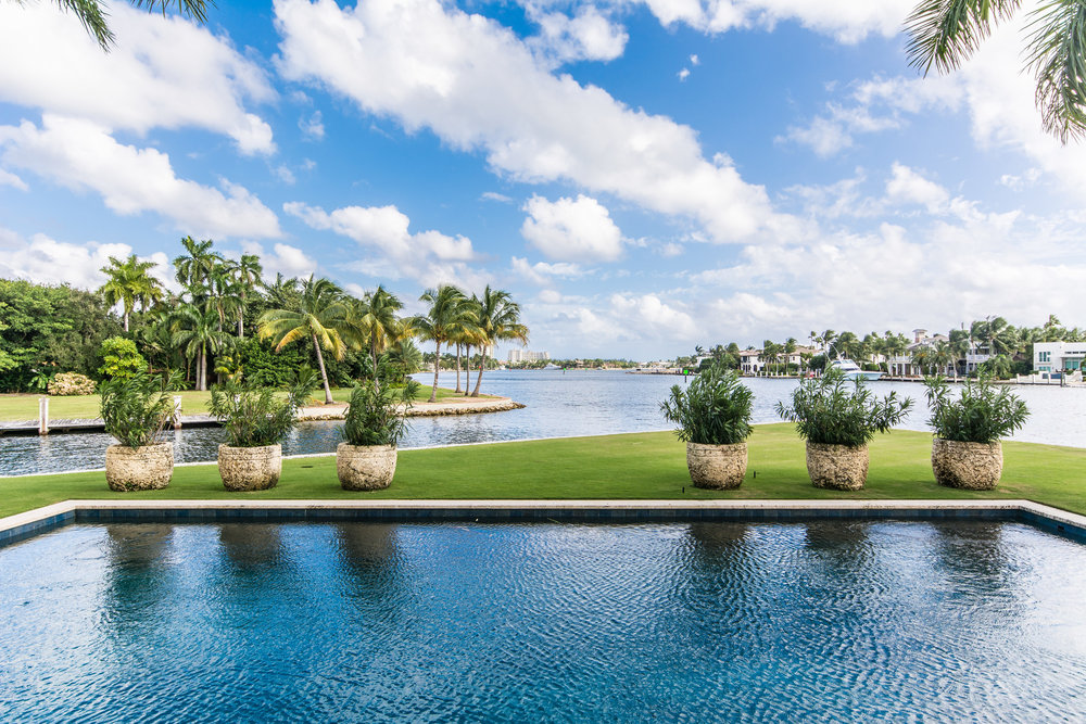 THE POOL - Featuring Panoramic Intracoastal & New River