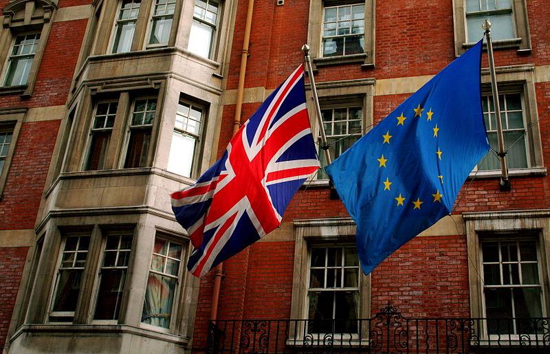 800px-union_jack_and_the_european_flag.jpg