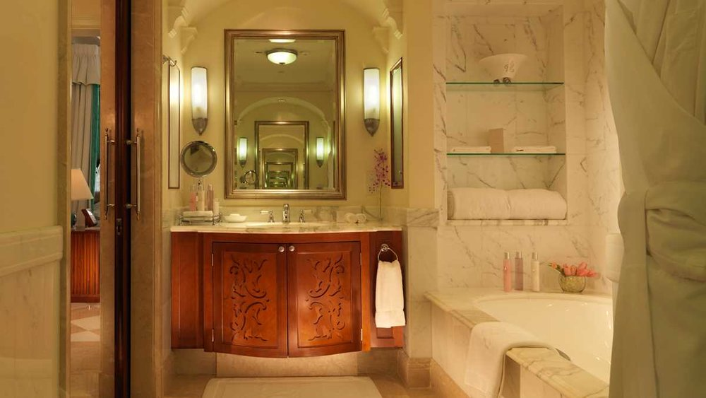 Sandy-Lane_Barbados_Luxury-Ocean-Room_Bathroom.jpeg