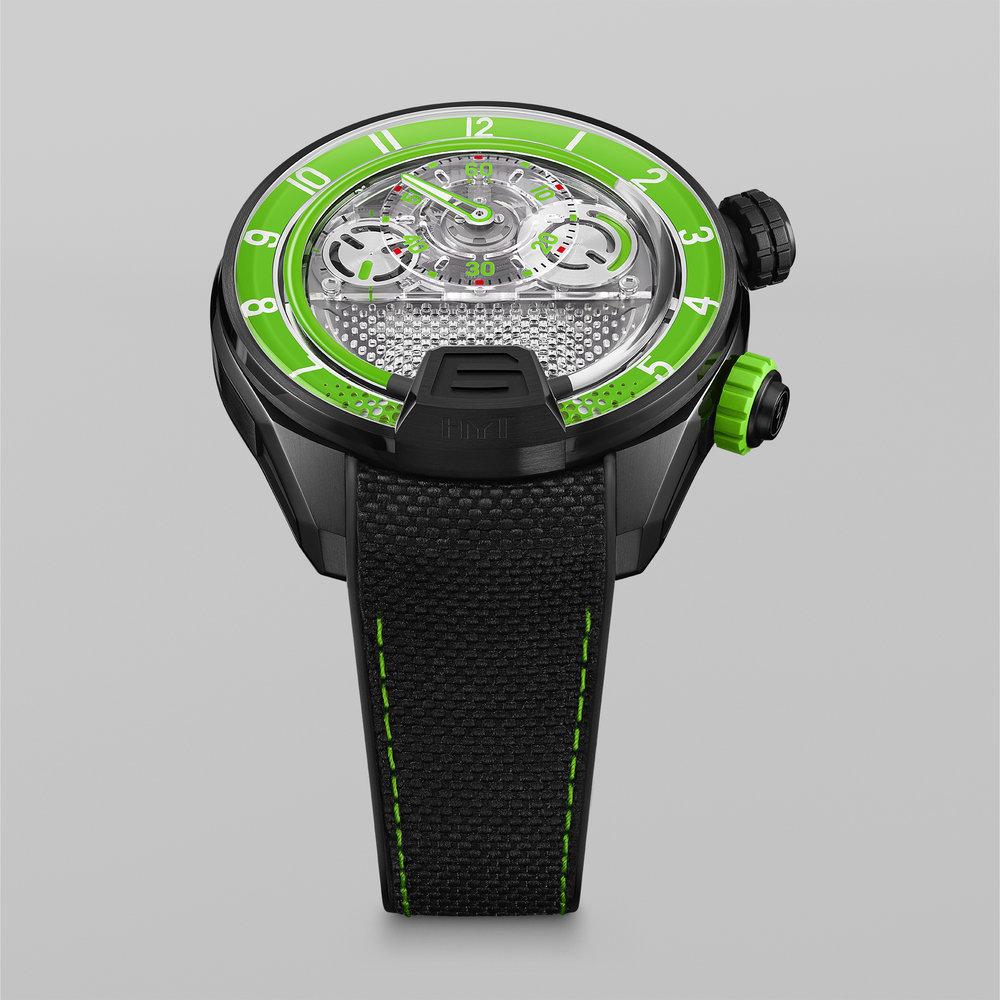 HYT-H4-GreenFluid-FrontView-66x66cm-72dpi-RGB.jpg