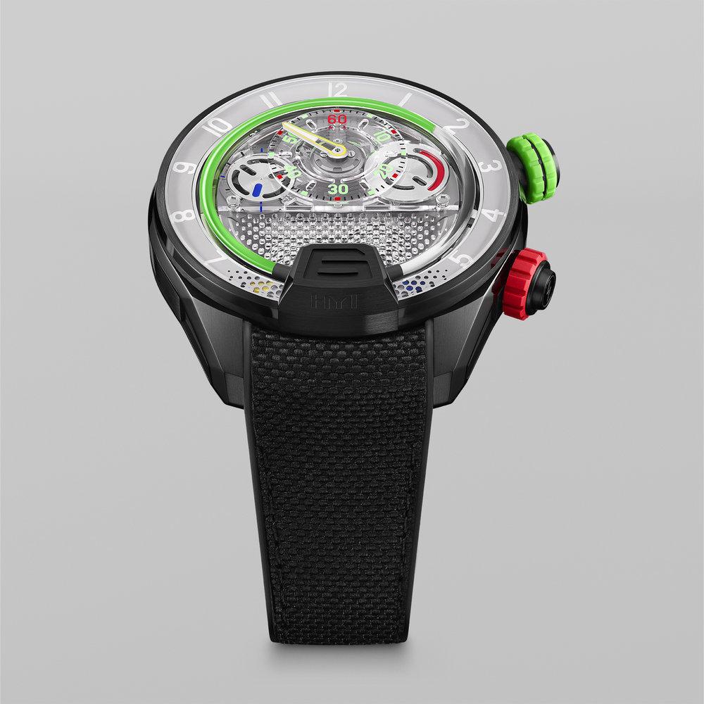 HYT-H4-GreenFluid-Multi-FrontView-66x66cm-72dpi-RGB.jpg