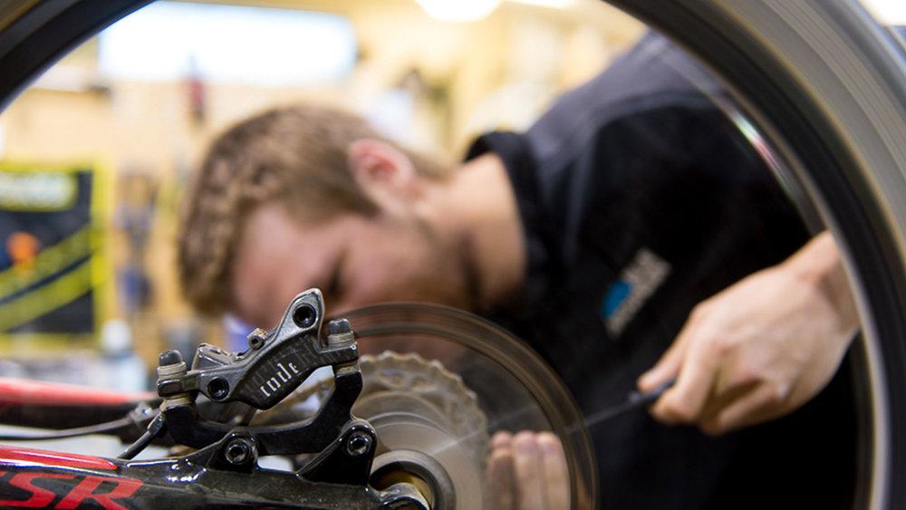 bike_repair_2400x1350.jpg