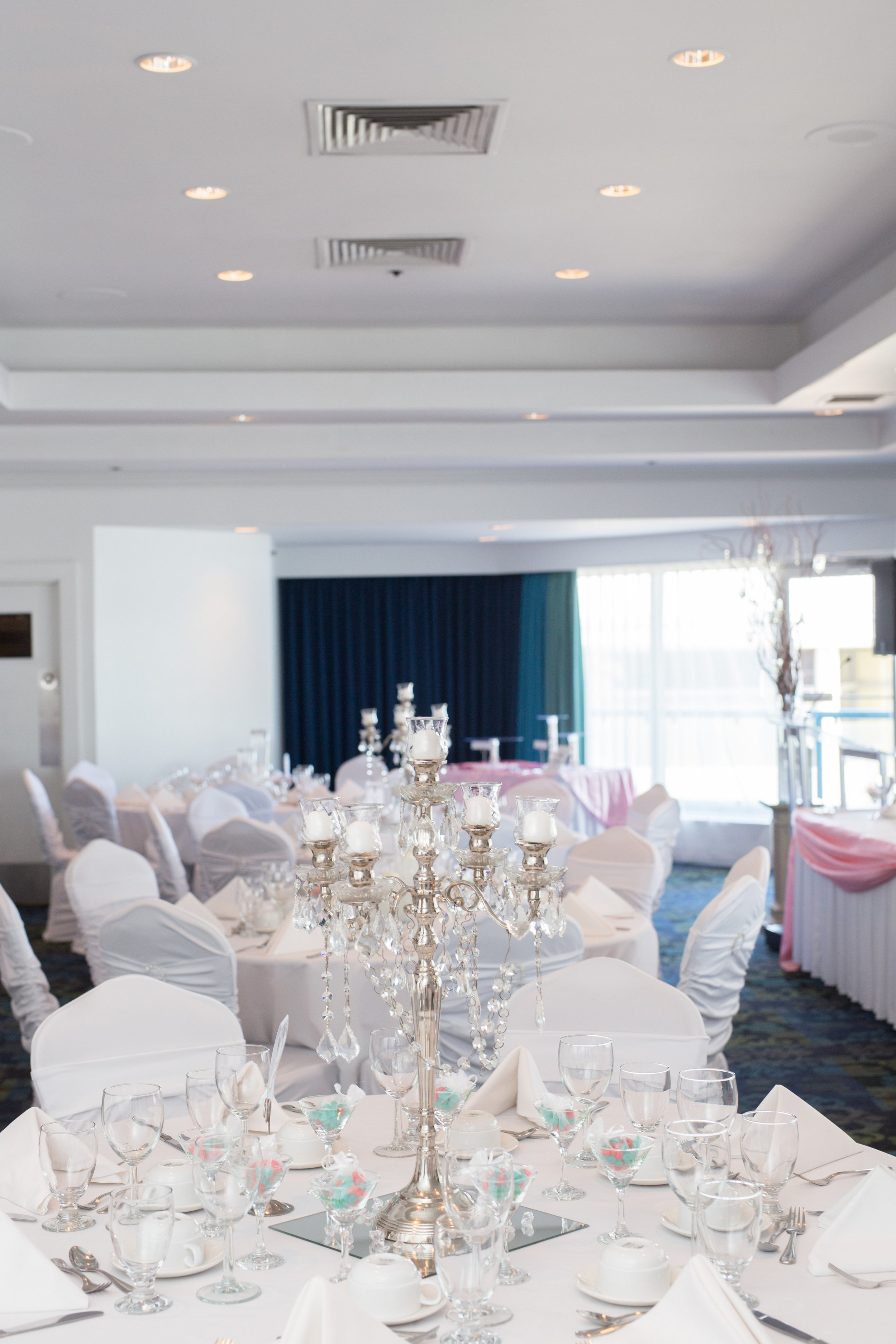 wedding photographer inn at the quay