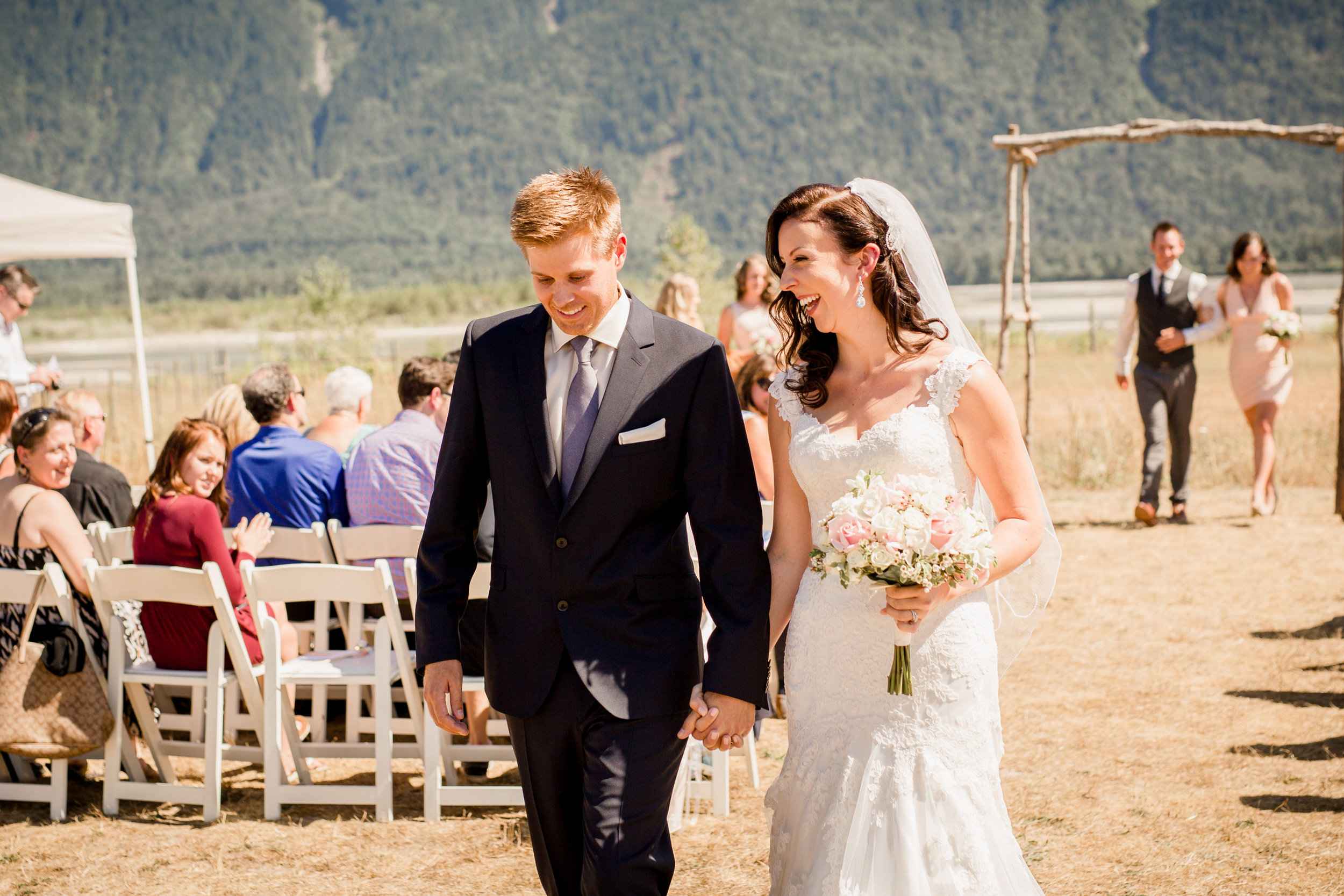 wedding-ceremony-at-fraser-river-lodge