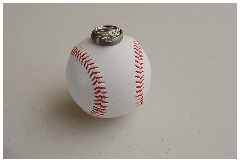 baseball-wedding-photo