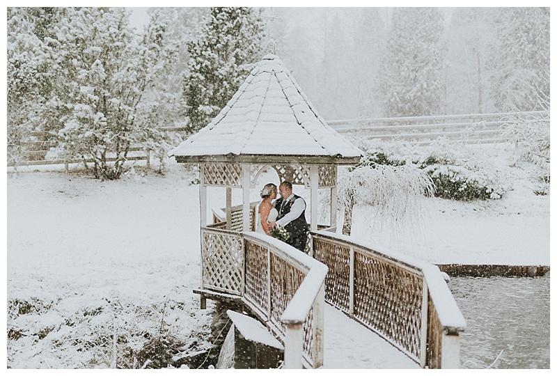 winter wedding in maple ridge