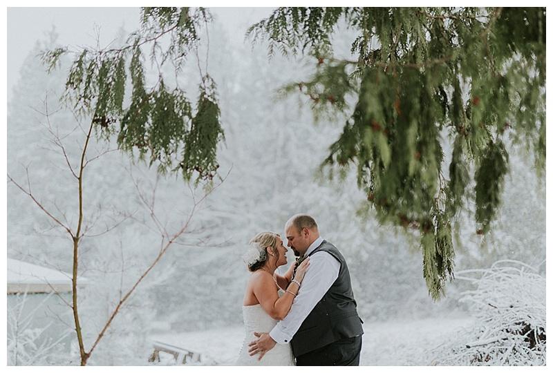 snow wedding photos