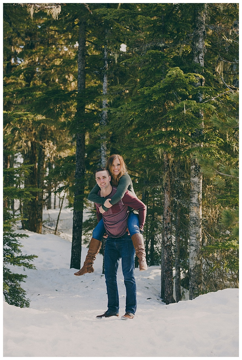 engagement photos at sea to sky gondola