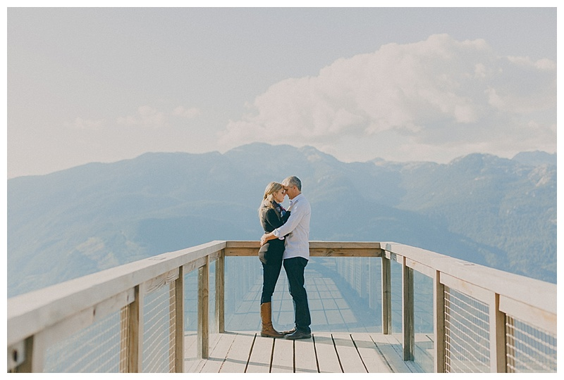 engagement photos at the sea to sky gondola