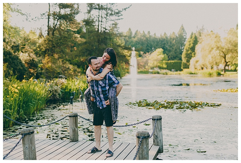 engagement photos in vancouver