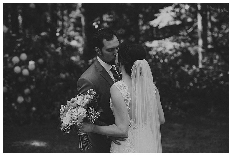 wedding photography at whonnock lake