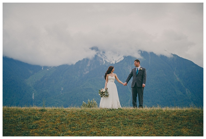 fraser river lodge wedding photos
