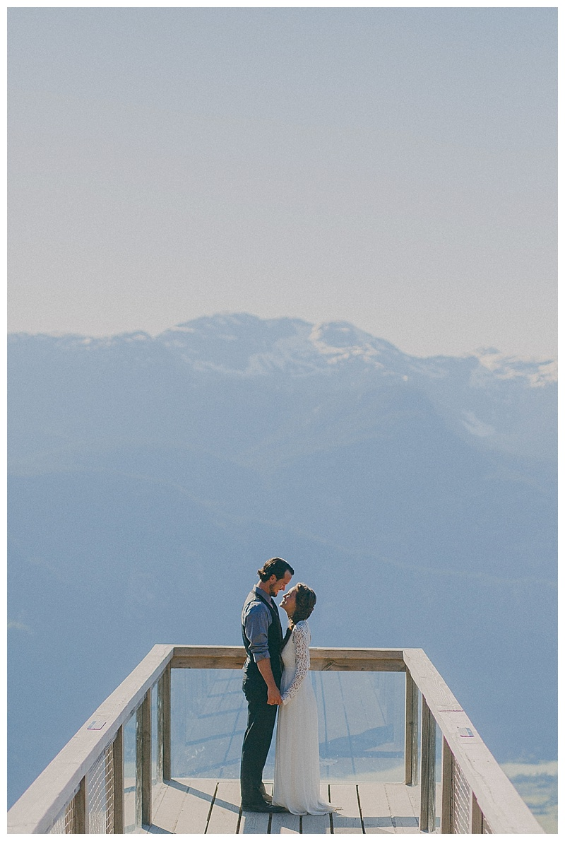 elopement at sea to sky gondola