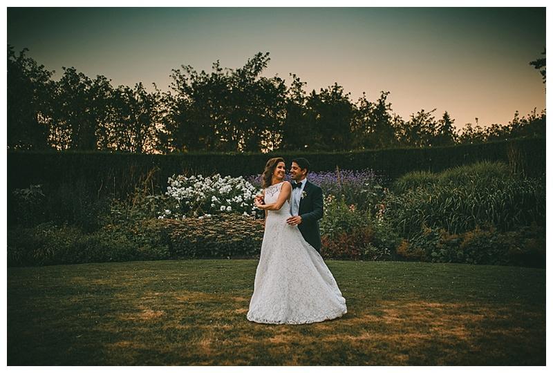 wedding photos at van dusen botanical gardenwedding photos at van dusen botanical garden