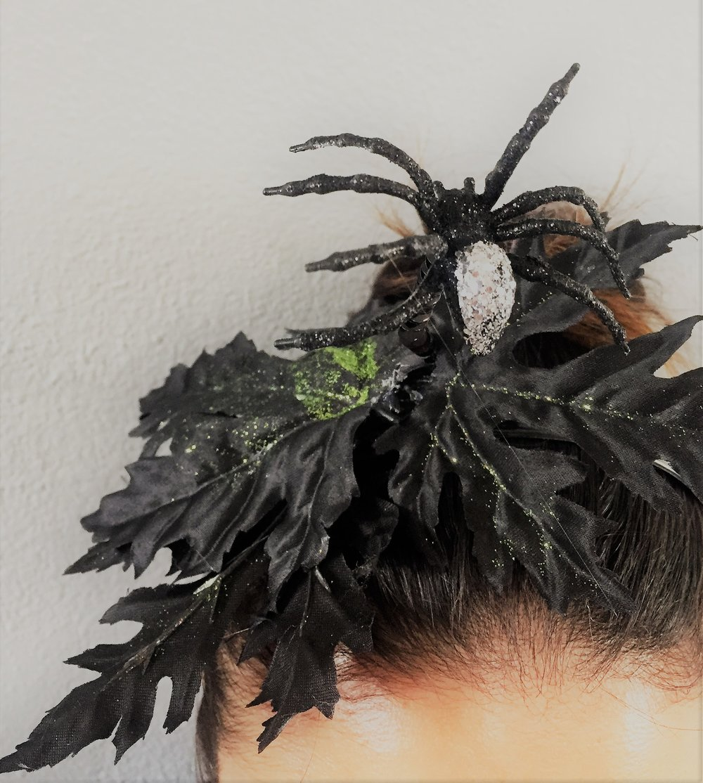 halloween spider headpiece.JPG