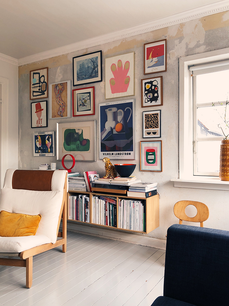 This gorgeous space is so up my alley. I love the quirky objects like that leopard on the shelf. So full of personality. By Louise of  Mor til Mernee.
