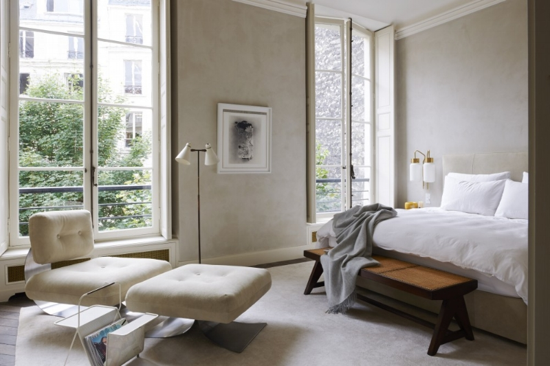 The most divine bedroom of designer Joseph Dirand. An elegant space with pared back, intentional pieces.