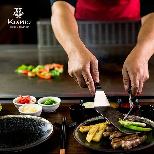 Si no tienes ganas de cocinar siempre está la opción de venir a comer a Kunio. Disfruta de una comida con plato fuerte y postre a un súper precio. Come delicioso en Av. Revolución 1623, San Ángel. #ArteJaponés #ComidaJaponesa #Love #JapaneseFood #Asian #Asiática #Japón #Delicioso #KunioSan #Restaurante #CDMX #Deli #FoodLover