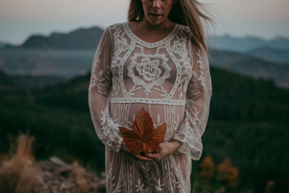 Canadian_Maternity_Photographer_Paige_Lorraine_Photography.jpg