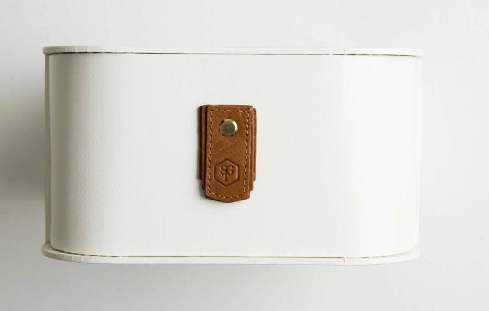 Sagitine shoe box white