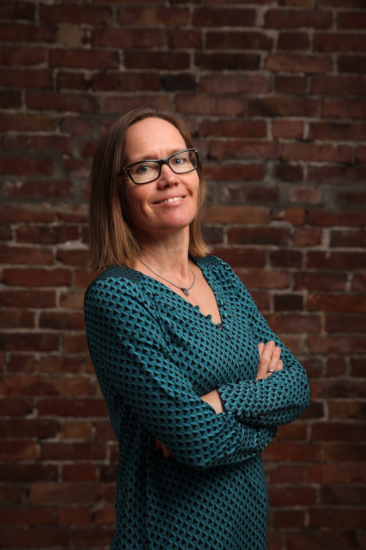 Anne Ivarsen - Høyere utdanningØkonomi og ledelse