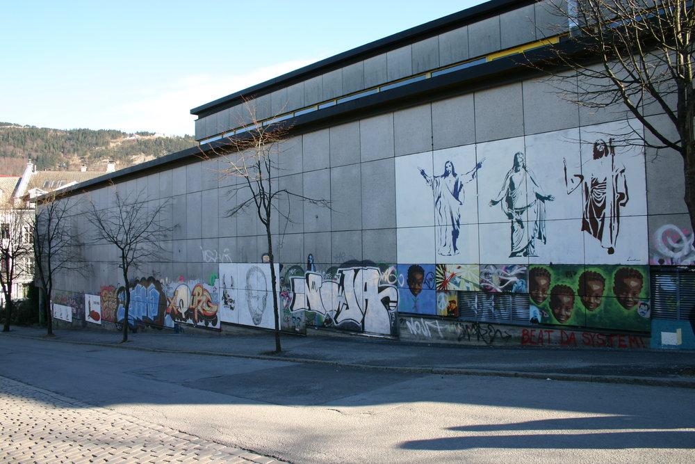 Graffitiveggen på det gamle Studentsenteret. Foto: Karl Kleveland