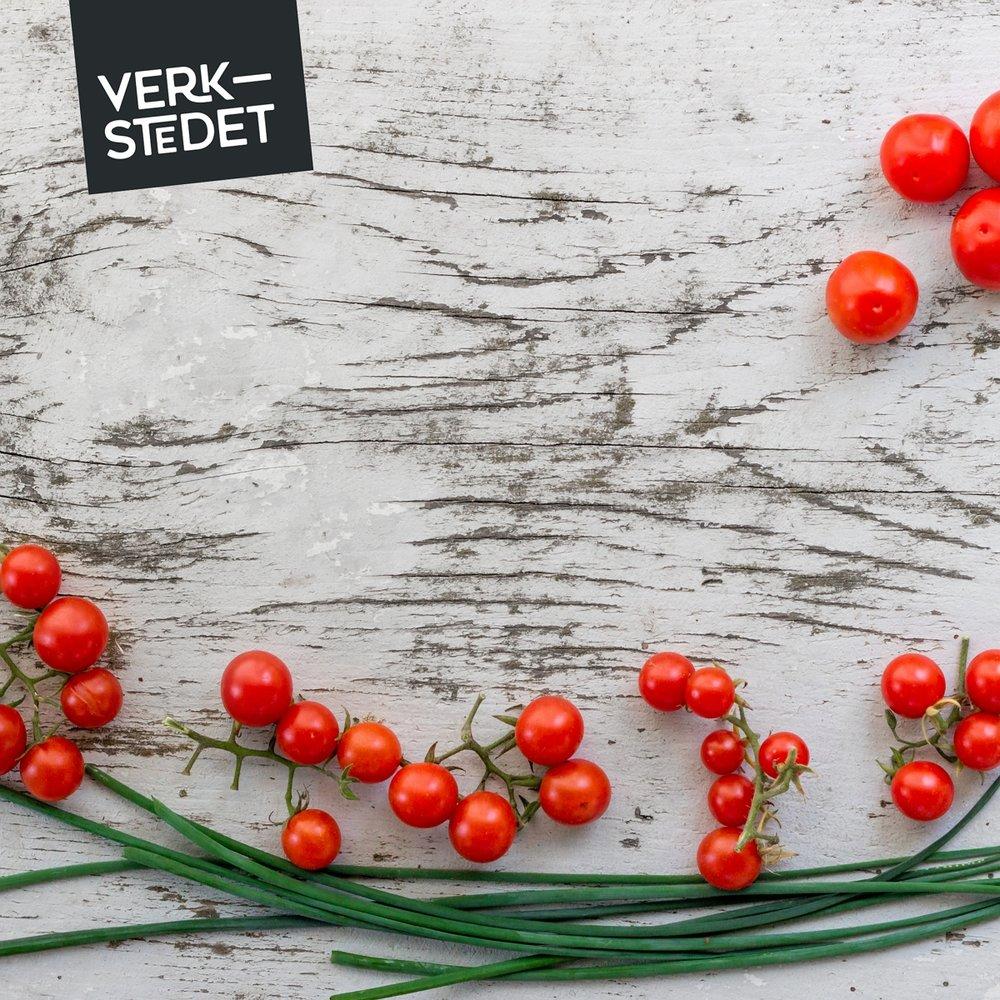 verkstedet_planke_med_tomater_og_logo_1200.jpg