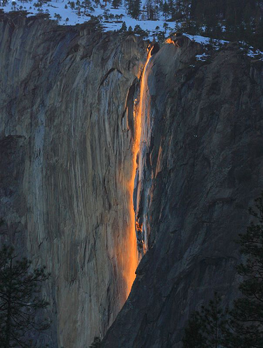 Horsetail Firefall© Daleberts via Flickr, used under CC licence