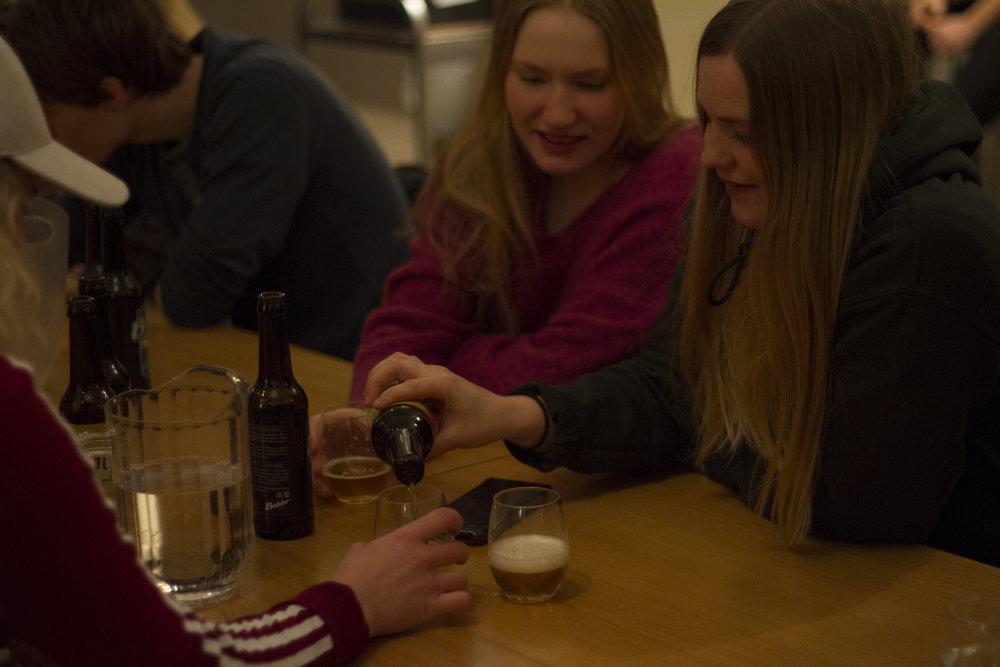 ØlsmakingMedBalder_2018_IdaFalkgjerdetSvåi_17.jpg