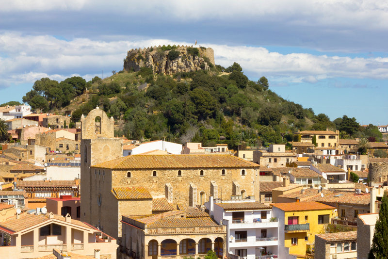 Image source: http://galleryawesome.com/begur+village