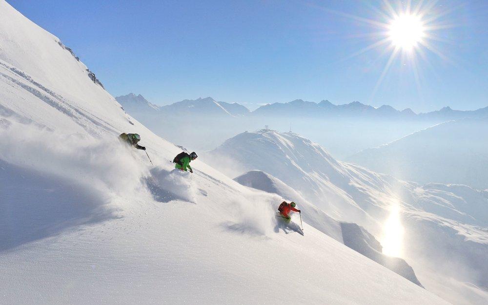 Skiing_st-anton.jpg