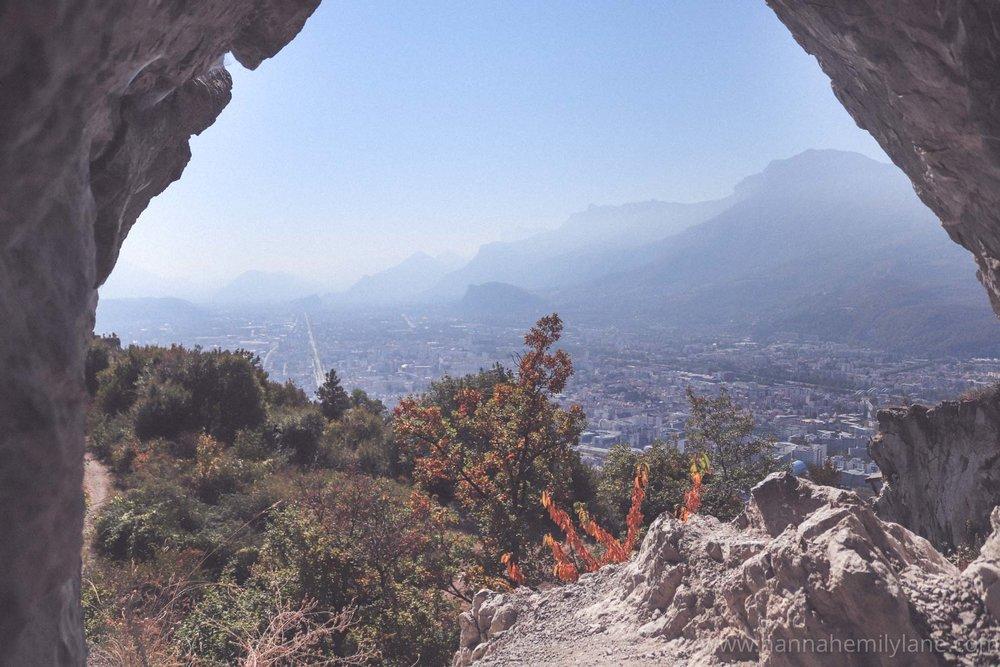 Grenoble in September, autumn   www.hannahemilylane.com-13.jpg