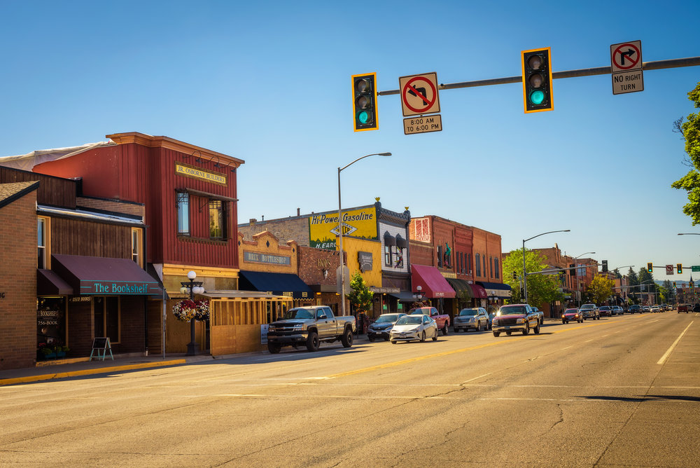 Street-view-with-stores-and-restaurants-in-Kalispell,-Montana-835820108_4895x3268 (1).jpeg