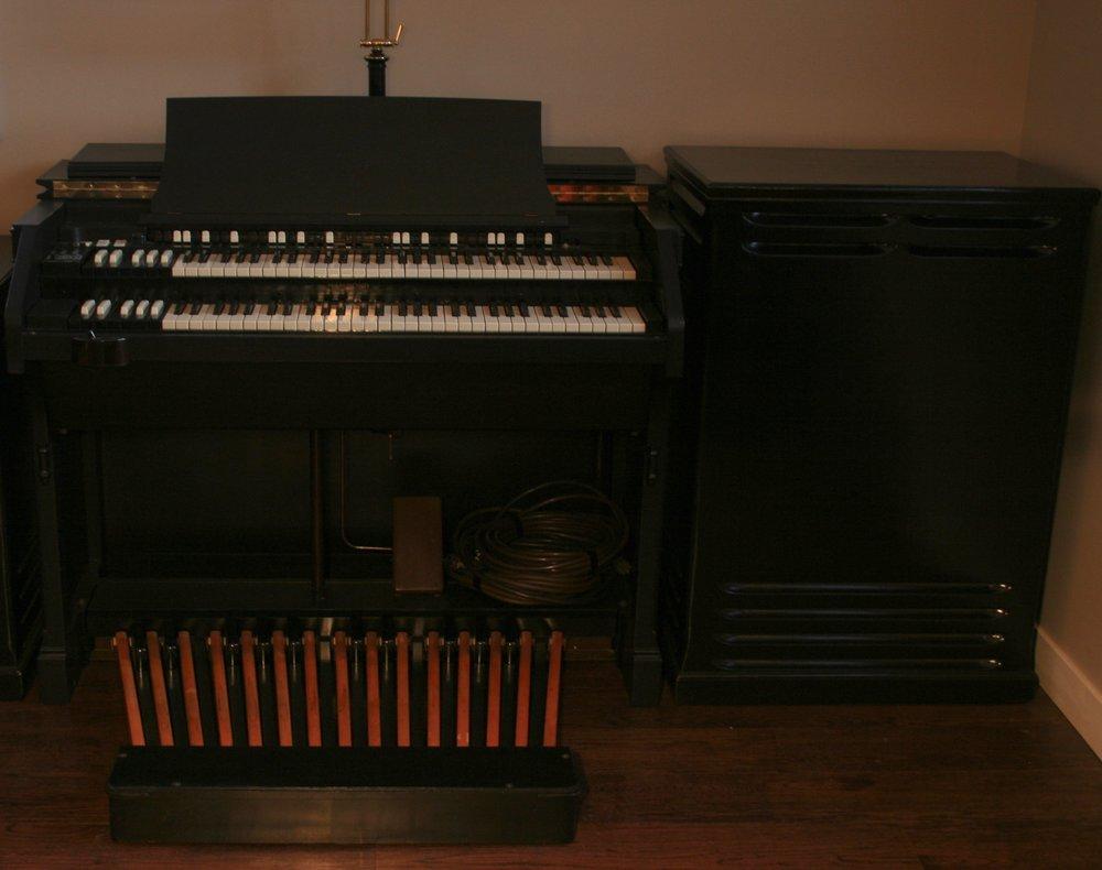 Hammond C3 Black.jpg