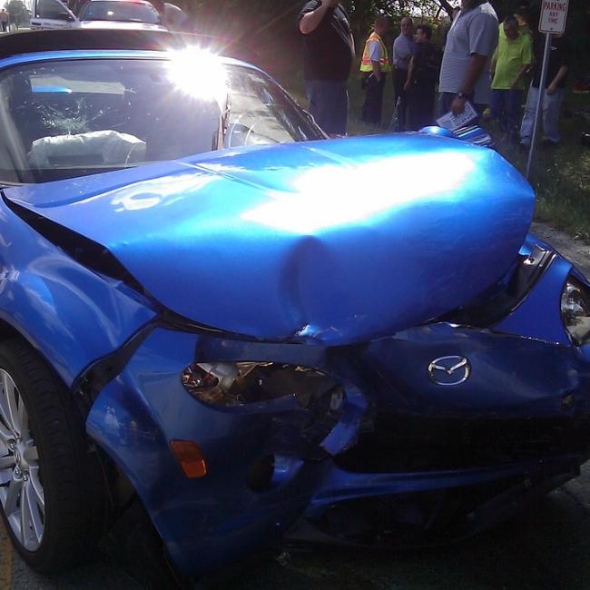 feb2touchmainSmashed-Car-Crashed-Smash-Accident-Auto-Crash-85320.jpg