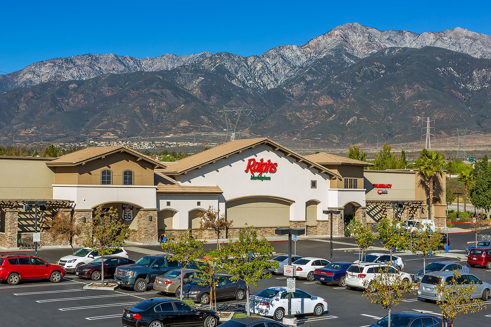 Ralphs Grocery with mountains