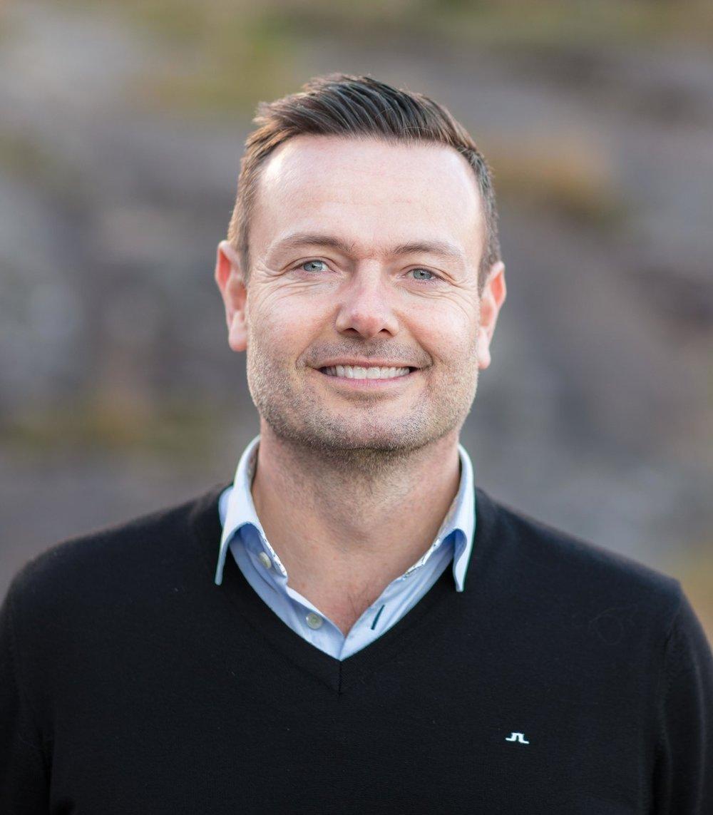 Kenneth Kårikstad   Administrerende Direktør & Partner  ➤ Kristiansand (Sør Arena) ☎ +47 905 41 990 ✉ kenneth@advantek.no